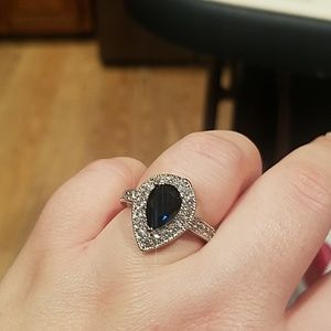 Jewelry - New sterling silver gorgeous sapphire tear ring